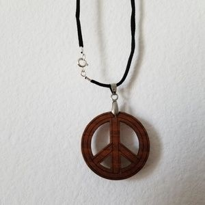 Jewelry - Vintage Natural Wood Peace Necklace